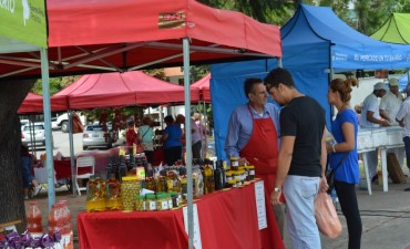 """""""El mercado en tu barrio"""" estará mañana en la plaza España"""