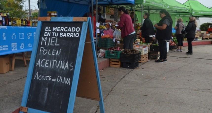 Informan el cronograma de la feria de productores locales y el mercado en tu barrio