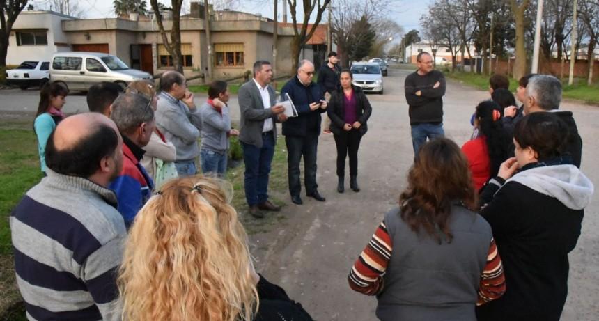Funcionarios municipales se reunieron con vecinos de Villanueva