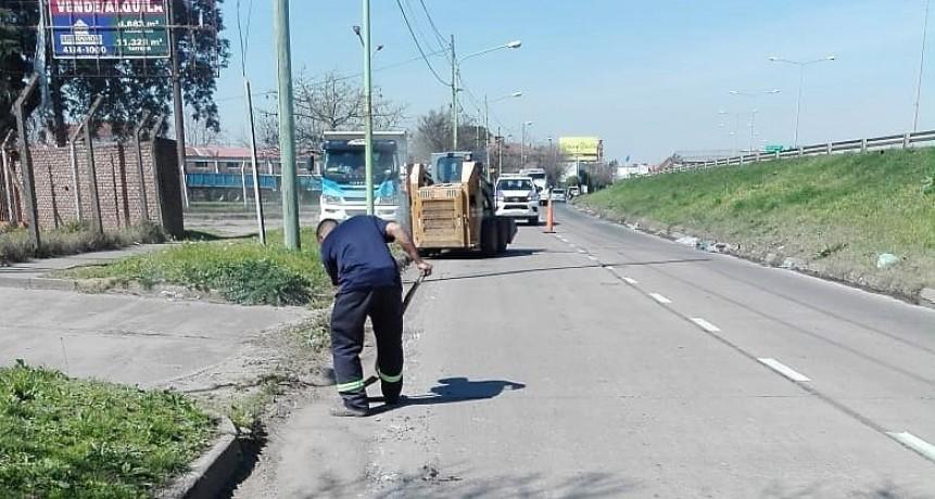 Realizan trabajos de mantenimiento integral en distintos sectores de la ciudad