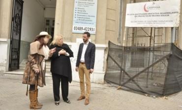 La Intendente Giroldi recorrió las obras de remodelación del Instituto Nº 15