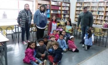 "La Biblioteca Municipal ""Dr. Octavio R. Amadeo"" visitó al Jardín de Infantes N° 915"