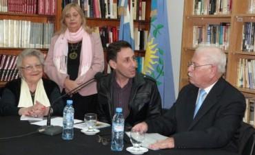 """Letras y música en la Biblioteca Municipal: Se presenta hoy el libro """"Rastreando nostalgias"""""""