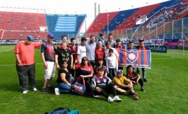 Niños y jóvenes del barrio Lubo visitaron el Club San Lorenzo de Almagro