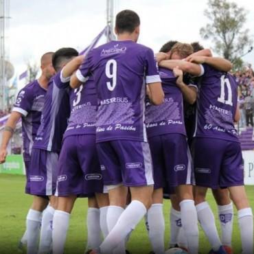 Los jugadores de Villa Dàlmine analizaron la primera victoria del Campeonato