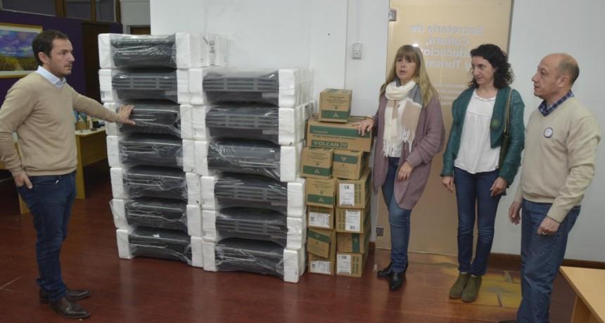 Abella entregó calefactores a la Escuela Técnica Nº 1