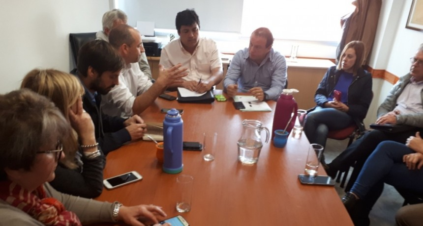 Concejales se reunieron con representantes de Chevallier