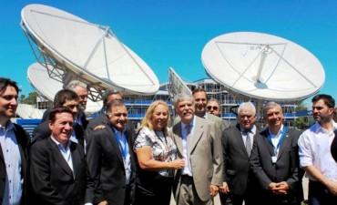 """""""La fabricación y lanzamiento del satélite ARSAT-1 elevan la consideración de Argentina a nivel científico y tecnológico"""""""