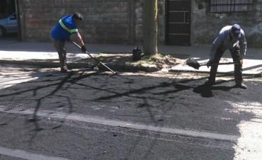 Avanzan las obras de bacheo por las calles del Barrio Lubo