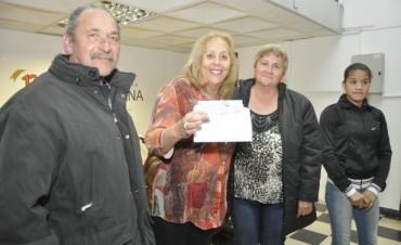 La Intendente Municipal Giroldi entregó subsidios municipales y pensiones nacionales