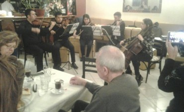"""Adultos mayores participaron del primer encuentro de """"Café con Alma"""""""