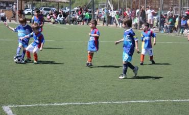 Destacada actuación de la Escuela Municipal de Fútbol en un encuentro en Maschwitz