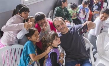 Abella, Roses y Buzzini compartieron una divertida jornada con los chicos de Sexto día
