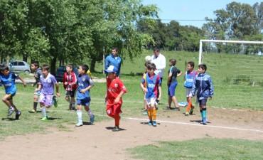 La Escuela Municipal de Fútbol Infantil protagonizó una jornada solidaria