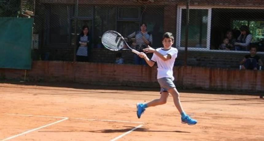 La Escuela Municipal de Tenis compitió en la Liga de Escuelas de Tenis