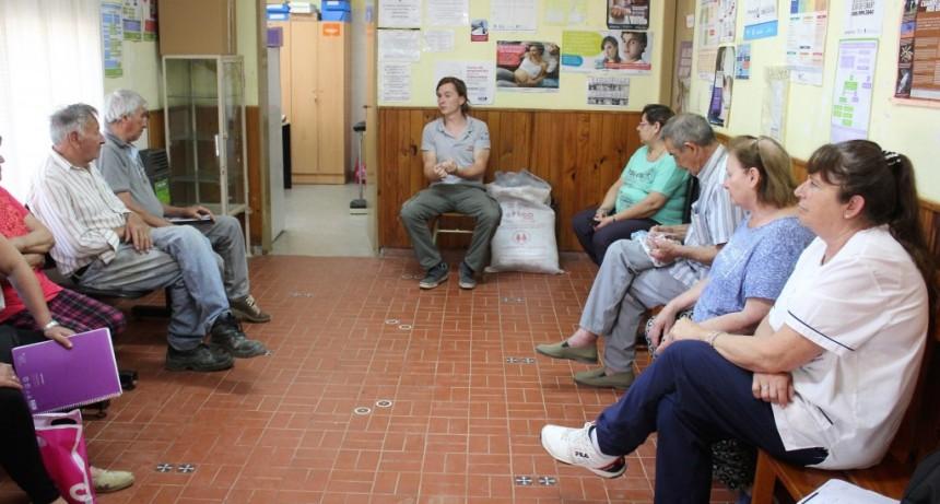 Vecinos participaron del taller introducción a la huerta orgánica y alimentación saludable