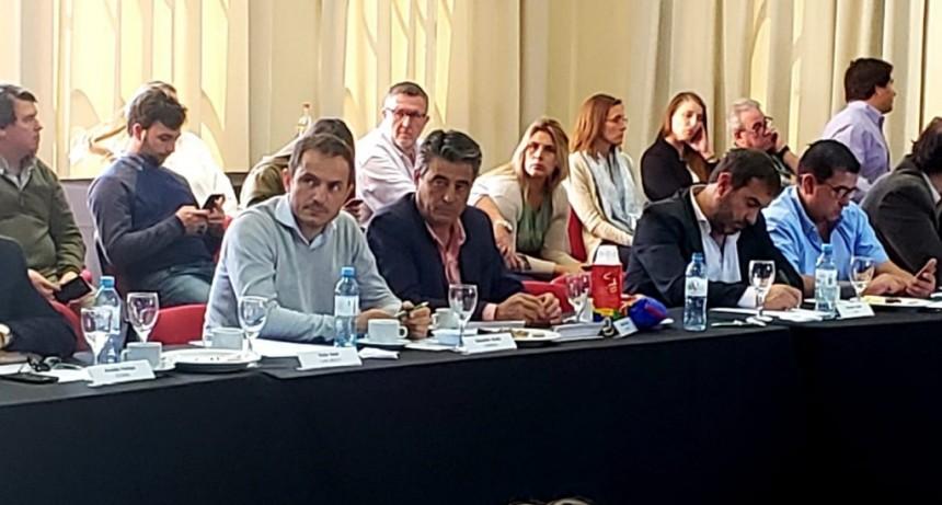 Abella participó de un nuevo Foro de Intendentes de Cambiemos