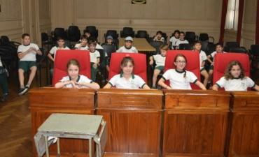 Alumnos de 3° Grado del Colegio Anibal Di Francia visitaron el Palacio Municipal