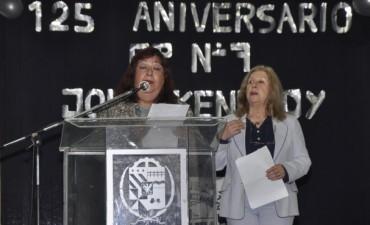 La Intendente Giroldi participó del 125º Aniversario de la Escuela Nº 7