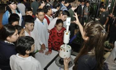 La Escuela Técnica Nº 1 realizó una Muestra de Proyectos Educativos realizados en 2015
