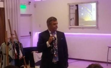 Disertación de Claudio Destefano en la Jornada de Futbol, Marketing y Management
