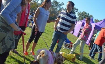 """El Municipio invita a los vecinos a sumarse con sus mascotas la """"Caninata Campana"""""""