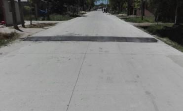 El Municipio coloca reductores de velocidad en San Cayetano y Santa Florentina