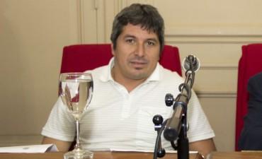 Carlos Gòmez:  no estamos de acuerdo que envìen proyectos para aprobarlos contra reloj