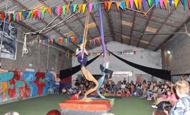 Dos talleres municipales presentaron su muestra anual