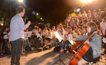 La Orquesta Escuela sale a la plaza Eduardo Costa