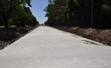 La Intendente Giroldi verificó el avance de obra de la pavimentación de Ricardo Rojas entre Matheu y Saavedra