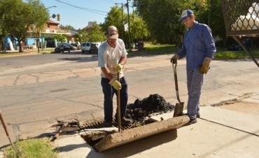 Obras y Servicios Públicos desarrolló tareas de limpieza y desobstrucción en sumideros y bocas de tormenta