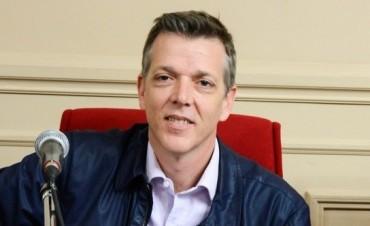 """Axel Cantlon: """"nuestro proyecto garantiza el fin del contrato de ABSA"""""""