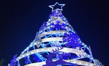 Con la presencia de Papá Noel, mañana se encenderá el arbolito de navidad