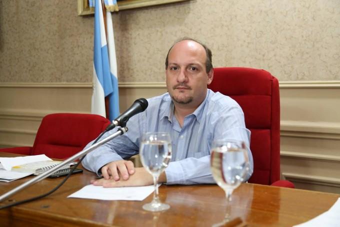 """Sergio Roses: """"Se instaló un patrullaje policial permanente en Ariel del Plata""""."""