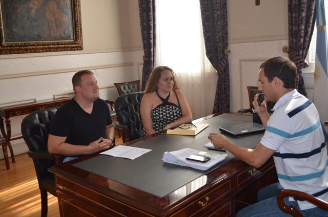 El Intendente se comprometió con los vecinos del B° 24 de Febrero a realizar obras de mejoras
