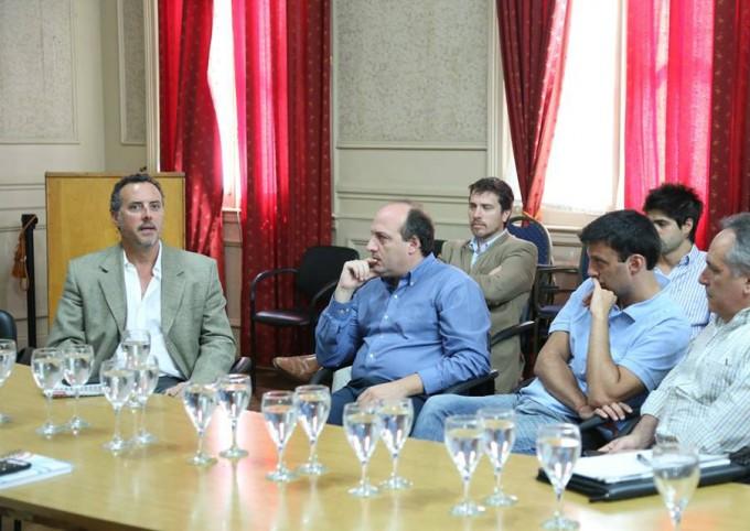 HCD: El Presidente Sergio Roses junto a los Concejales mantuvieron un encuentro con representantes de la Empresa Tenaris.