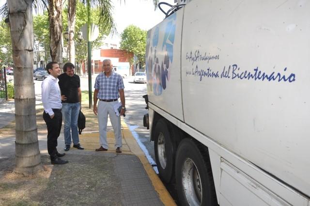 El Municipio con la ayuda de Aysa comenzó la limpieza de cloacas y sumideros