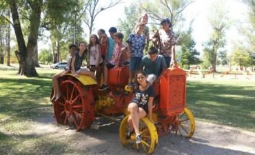 Jóvenes del ballet Eluney viajaron a Entre Ríos y Córdoba