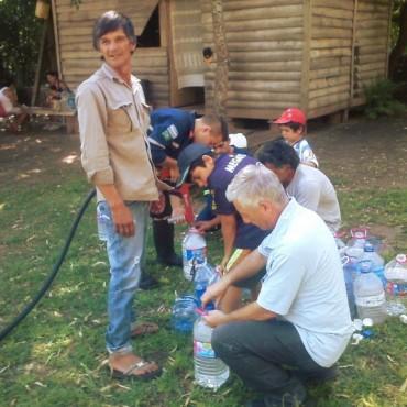 Municipio y bomberos trabajan intensamente en la asistencia a los vecinos isleños