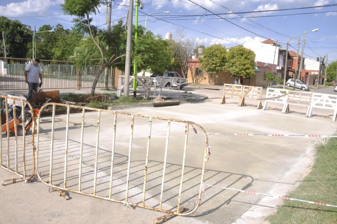 Se reparó el pavimento hundido en la calle Andrés del Pino