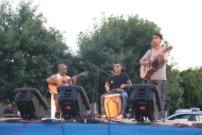 Los vecinos disfrutaron del festival folklórico Raíces de mi ciudad