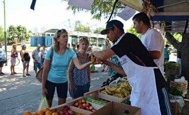 """El programa nacional:""""El mercado en tu barrio volvió a decir presente en Campana"""