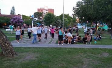 Este jueves se dictará una nueva clase de folklore en la Plaza 1º de Mayo