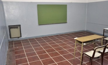 El Municipio refacciona más de 10 aulas de la Escuela Normal