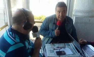 Diego Pérez en el móvil desde el Torreón del Monje