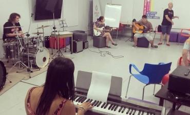 Con talleres de ensamble, la Escuela Municipal de Música continúa sus actividades en verano