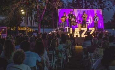 """Cultura en verano: más de 300 vecinos disfrutaron de """"Jazz junto al río"""""""