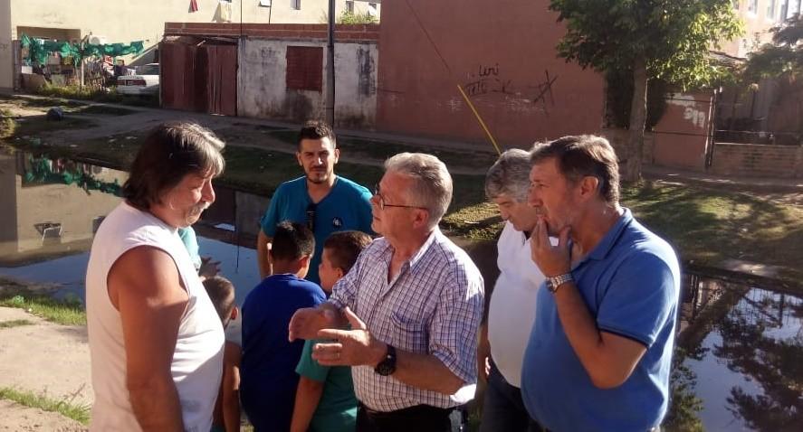 """Rubén Romano: """"Debemos devolverle la dignidad a los vecinos que viven inundados en aguas servidas"""""""