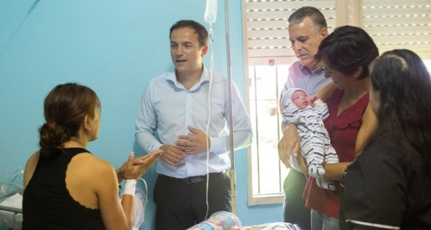 El primer bebé del año del hospital San José se hizo esperar